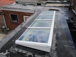 Houten lessenaarsdak vrij op het dak 1.2